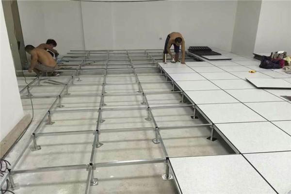 3安装地板.jpg
