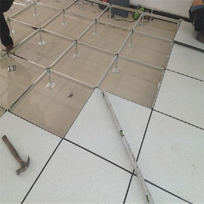 hi合乐手机版 地板施工.jpg